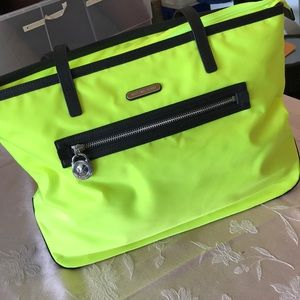 Handbags - Michael Kors Kempton Tote
